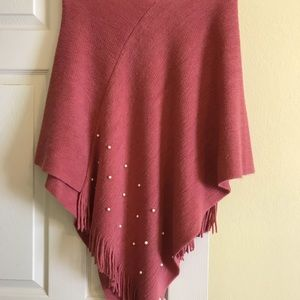 One size, sweater poncho with pearls and fringe